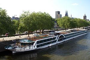 Amadeus Brilliant (ship, 2011) 006.jpg