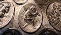 Anfora di baratti, argento, 390 circa, medaglioni, 20 fanciullo che suona la tibia 2.JPG