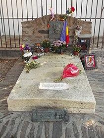 Antonio Machado's grave.jpg