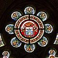 Armes de l'ordre des Prêcheurs dans les vitraux du chevet de l'église Saint-Aubin en Notre-Dame-de-Bonne-Nouvelle, Rennes, France.jpg