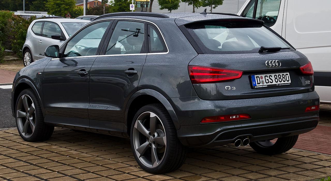 Audi q3 2 0 tdi quattro s line heckansicht 24 for Interieur q3 s line