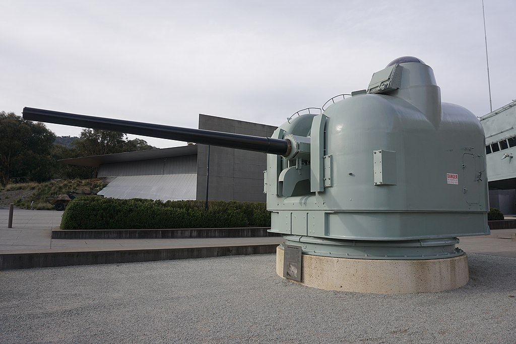HMAS Brisbane (D 41) Gun Mount 2
