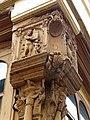 Auxerre-Rue de la Fécauderie-Poteau cornier sculpté (fin du XVe s.) (1).jpg