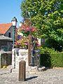 Béthemont-la-Forêt (95), puits, au carrefour rue de la Vieille France - rue de la Croix Frileuse.jpg