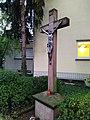 Barockes Steinkruzifix des 18. Jh. in Frankfurt-Sossenheim Okt. 2019 001.jpg