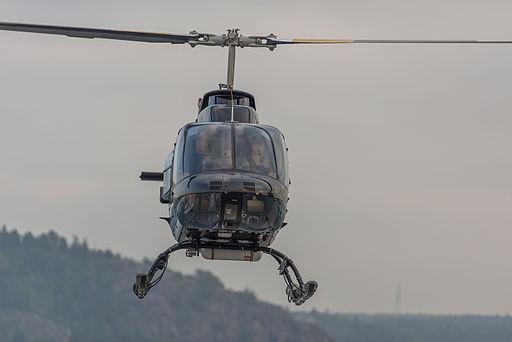 Bell 206B Jet Ranger III September 2014 01