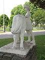 Bemmel (Lingewaard) beeld paard met meisje (het meisje).JPG