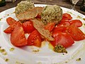Bergkräuterknödel geschmorte Tomaten 1.jpg