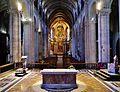 Besancon Cathédrale St. Jean Innen Langhaus West 2.jpg