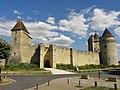 Blandy (77), château, courtine entre la poterne et la tour de Gardes 2.jpg