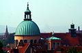Blick vom DGB-Hochhaus Hannover über Basilika Sankt Clemens und Friederikenstift bis Erlöserkirche Linden-Süd.jpg