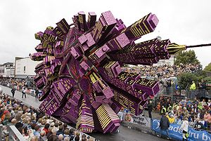 Float (parade) - 'Booming city', the winning float of the Zundert flower parade 2008.
