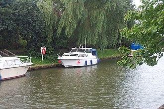 Saxilby - Boats moored on the Fossdyke as it runs through Saxilby