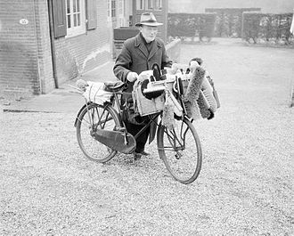 Personal selling - A brush salesman and his bicycle in the 1950s