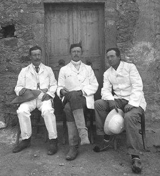 British School at Athens - Robert Carr Bosanquet (centre), Richard MacGillivray Dawkins (left) and Charles Trick Currelly (right) at Roussolakkos, 1903-1905