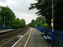 Bramley (Hampshire) railway station in 2008.jpg
