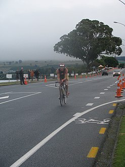 Brent Foster at Ironman New Zealand 2009.jpg