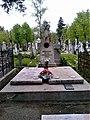 Bucuresti, Romania. Cimitirul Bellu Catolic. Mormantul Cardinalului IULIU HOSSU, Episcop de Cluj-Gherla. Beatificat de Papa Francisc azi 2 Iunie 2019.jpg