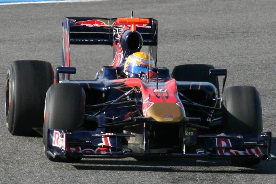 Buemi Toro Rosso Jerez (cropped)
