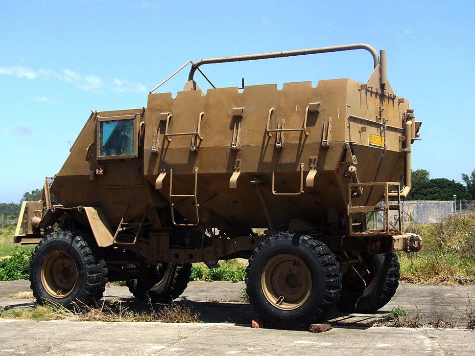 Buffel armoured personnel carrier (9673155629)
