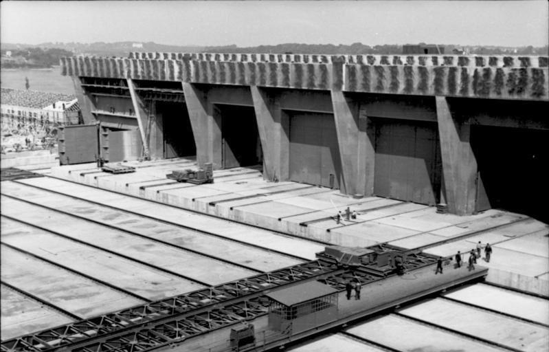 Bundesarchiv Bild 101II-MW-3936-06A, Frankreich, Lorient, U-Bootbunker im Bau