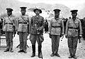 Bundesarchiv Bild 135-S-16-01-17, Tibetexpedition, Tibetische Soldaten, Offizier.jpg