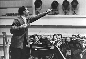 Conducting - Herbert von Karajan conducting the Vienna Philharmonic in 1941