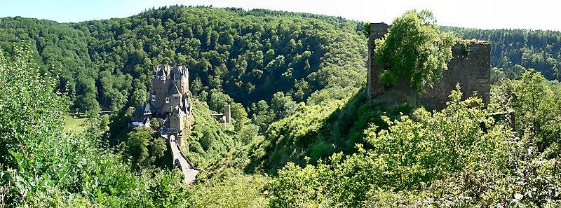 File:Burg Eltz und Burg Trutzeltz.jpg