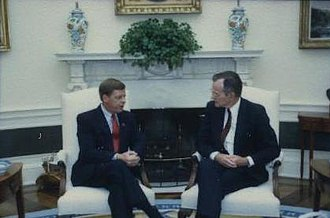 Johnny Isakson - Isakson with President George H. W. Bush in 1990