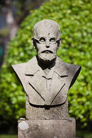 English: Bust of Ernesto Gende, Padron, Galici...