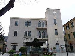 Calice Ligure-municipio.jpg