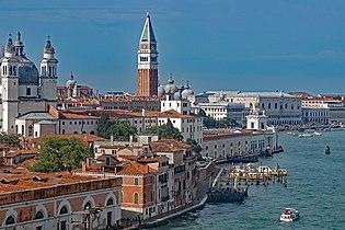 Campanile St. Mark's Basilica Venezia 06 2017 2920.jpg