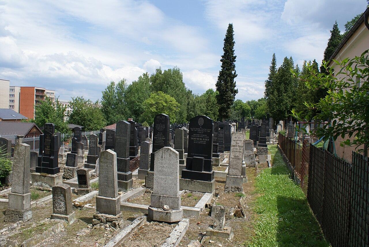 Carlsbad cemetery 04.JPG