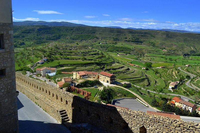 File:Castell i murades (Morella) - 2.jpg