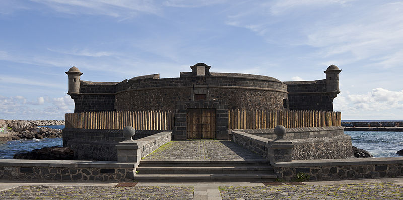 Archivo:Castillo de San Juan, Santa Cruz de Tenerife, España, 2012 ...