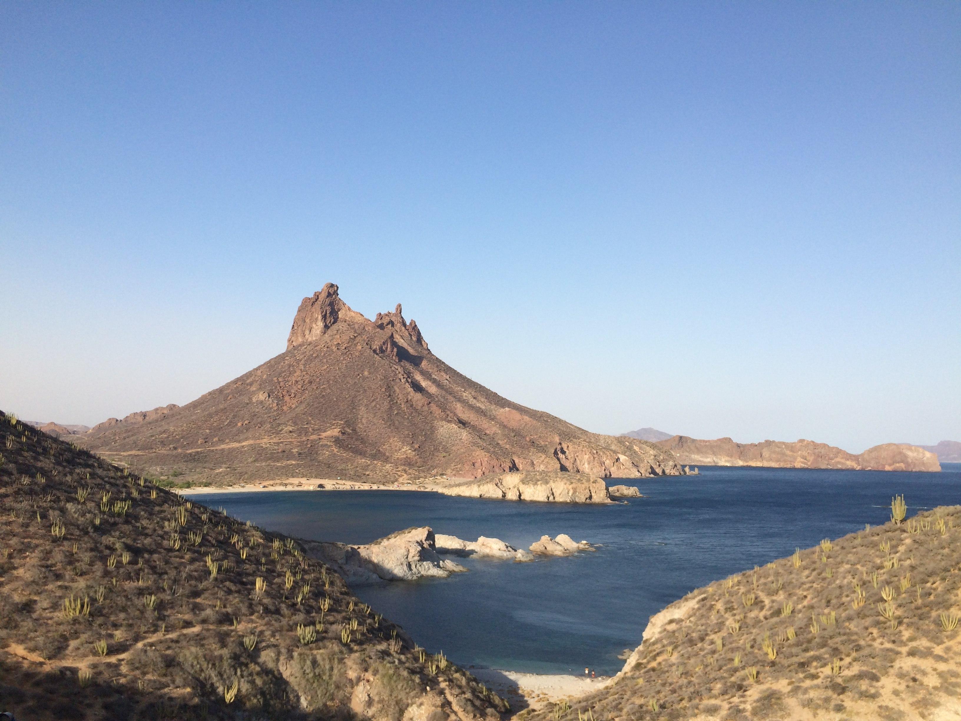 Cerro del Tetakawi desde otro cerro