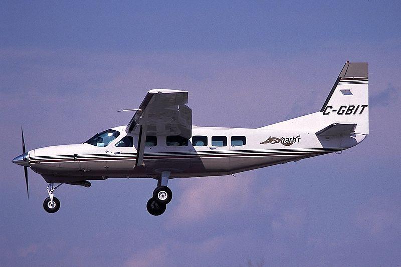 File:Cessna 208 Caravan I, Fox Harb'r AN0228729.jpg