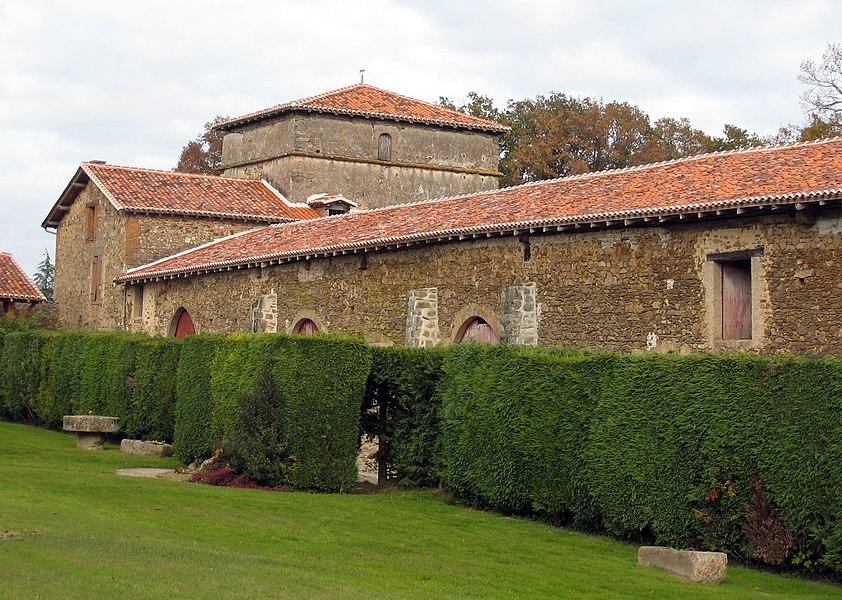 Communs du château de Rochebrune à Étagnac