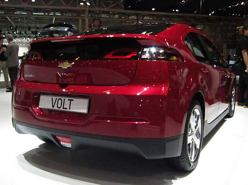 Chevrolet Volt 2013 (rear quarter)