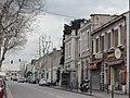 Commerces, le long de l'avenue de la Barasse.jpg