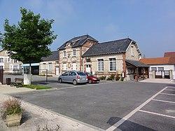 Condé-sur-Suippe (Aisne) Mairie-école.JPG