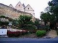 Coucy église (derrière courtine porte de Soissons).jpg