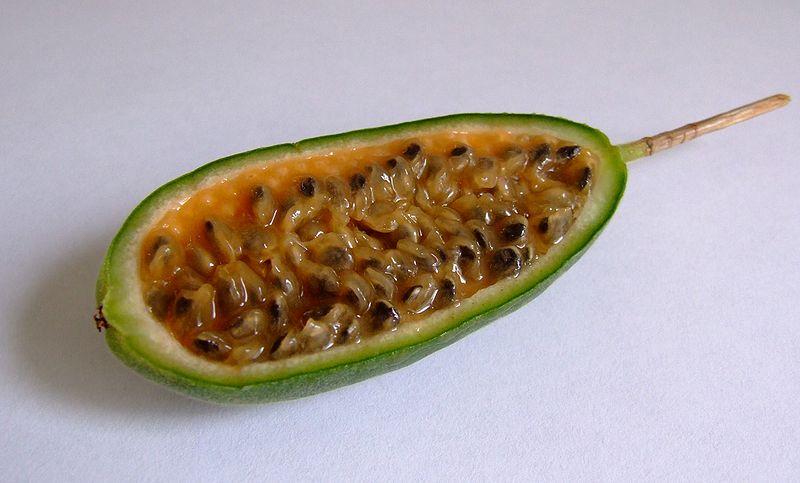 Soubor:Curuba Frucht 2.jpg