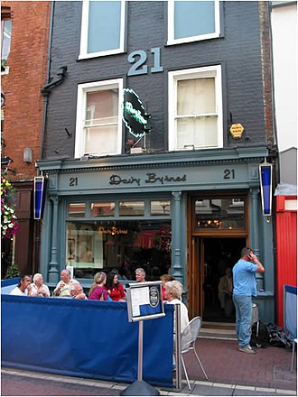 Ulysses (novel) - Davy Byrne's Pub, Dublin, where Bloom consumes a gorgonzola cheese sandwich and a glass of burgundy