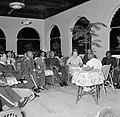 De granmans van de boslandcreolen op audiëntie bij de koningin in het gouverneme, Bestanddeelnr 252-4498.jpg