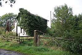 Derelict Station House - geograph.org.uk - 240045.jpg