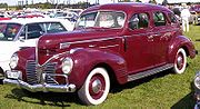 Dodge D11 Luxury Liner 4-Door Sedan 1939.jpg