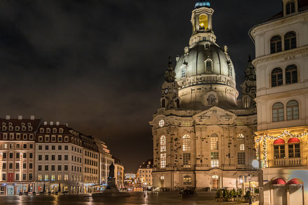 Dresden Frauenkirche at night Dresden Frauenkirche Nacht.jpg