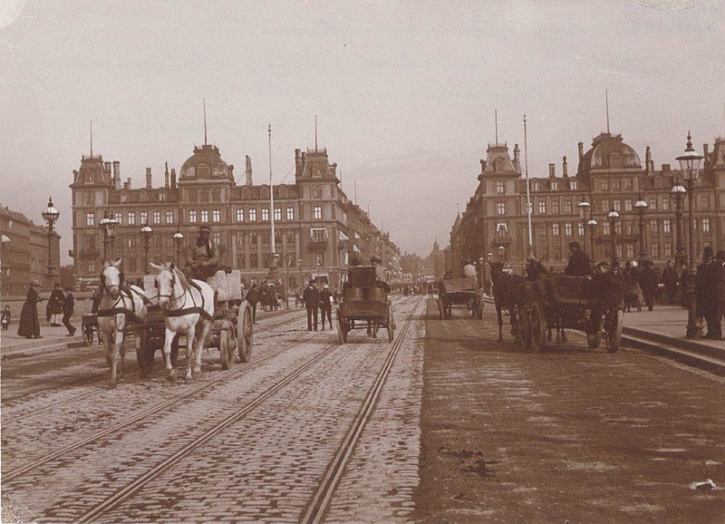 Dronning Louises Bro - Søtorvet 1890s.jpg