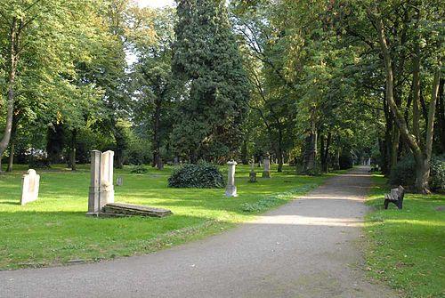 Datei:Duesseldorf golzheim friedhof gesamt sued 2.jpg
